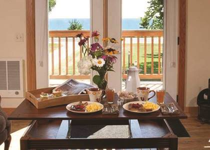 Places to Stay: Lake Orchard Farm Retreat