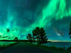 Image for Sensational Skies: Northern Lights Electrify Wisconsin