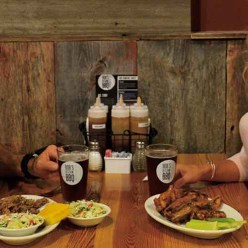 Smokin', Rubbin' and Carvin': Wisconsin's Best Barbecue
