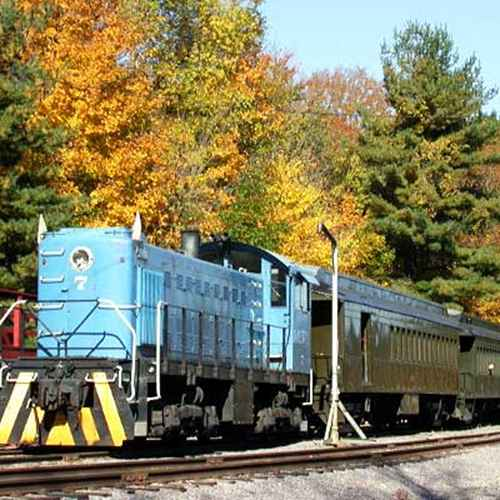 Five Scenic Fall Train Rides in Wisconsin