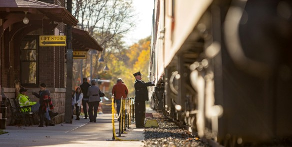 5 Scenic Fall Train Rides in Wisconsin