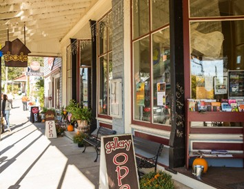 7 Wisconsin Destinations for Small-Town Charm