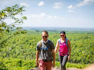 4 Breathtaking Hikes in Wisconsin's Bluffs