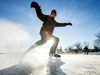 5 Spectacular Ice Skating Spots in Wisconsin