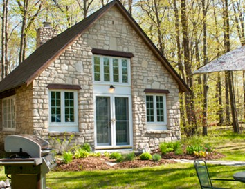Quaint and Cozy: 4 Wisconsin Cabins for Couples
