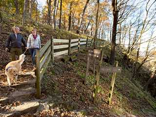 15 Fall Color Hikes in Wisconsin, From Easy to Difficult