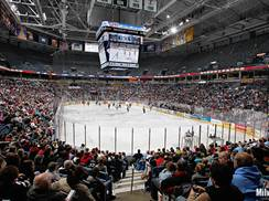 Image for Wisconsin Hockey Tour: 6 Spots to Catch a Game and Dinner