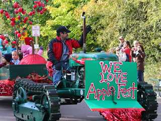 Bayfield Apple Fest Goes Red…and Green
