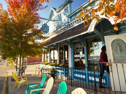 Image for Let's Eat! Dining Along Wisconsin's Great River Road