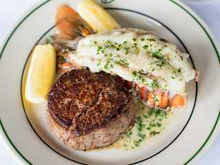 7 Can't-Miss Milwaukee Steakhouses