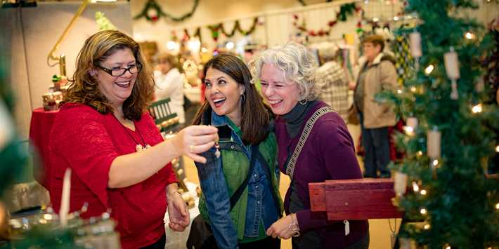 Christmas Performing Arts 2020 Southwest Wisconsin Wisconsin Arts and Crafts Fairs | Travel Wisconsin