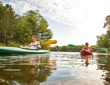 4 Girlfriend Getaways on Wisconsin's Waterways