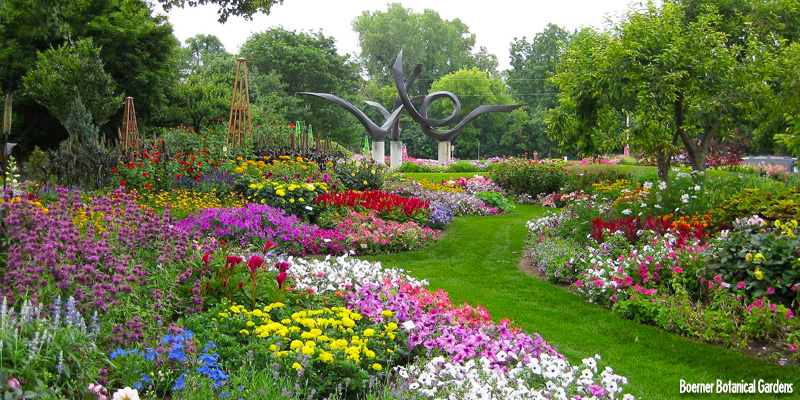 4 Milwaukee Gardens For Spring Flowers Travel Wisconsin