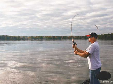 Image for Best Places to Fish in Wisconsin: Pewaukee Lake