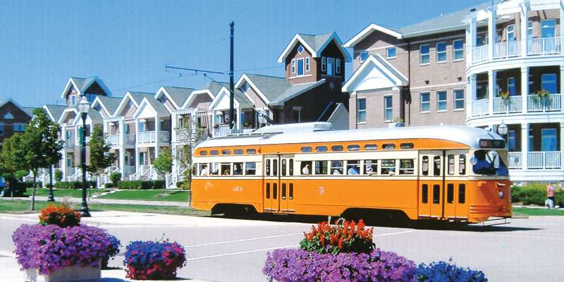 From 1903-1932, Kenosha's primary downtown transportation was an electric streetcar system. Now, seven beautifully restored electric streetcars travel a 2-mile loop, providing a scenic tour of the Lake Michigan shoreline, HarborPark, two historic districts, downtown business district and the METRA train station.