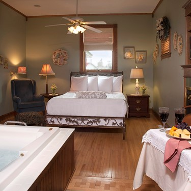 35%  Discounted Rate - Victorianne Room