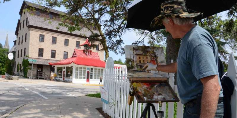 Nationally recognized artist Tom Nachreiner, a long-time participant in the event, interprets an historic downtown Cedarburg treasure.