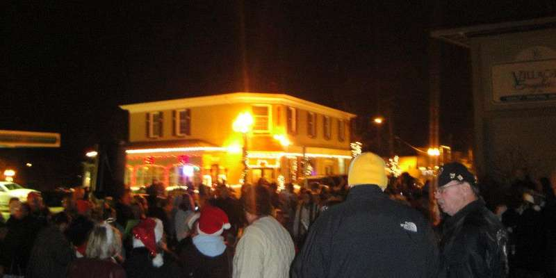 Hartland Lights Crowd