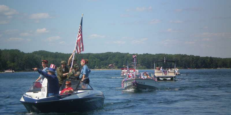 Stone Lake Boat Parade