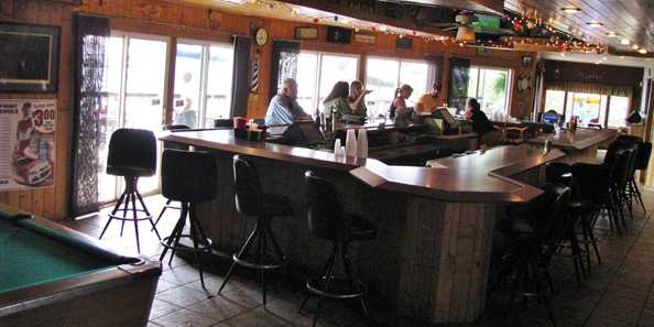 Harbor View Pub & Eatery on Long Lake