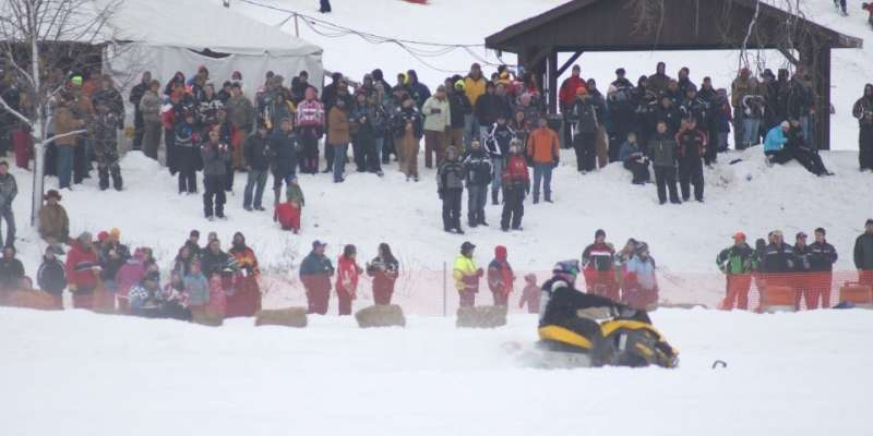 Neosho Snowmobile Race Spectators
