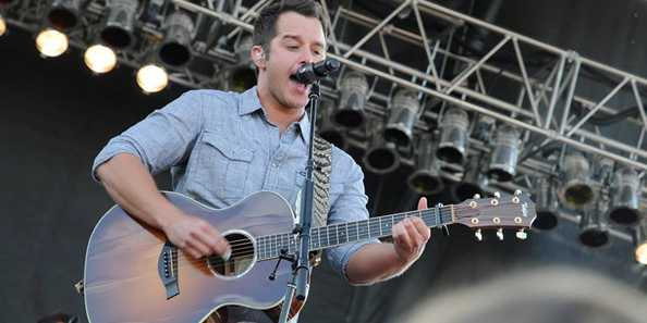 Easton Corbin; Performing during the 2015 Ashley For the Arts Event