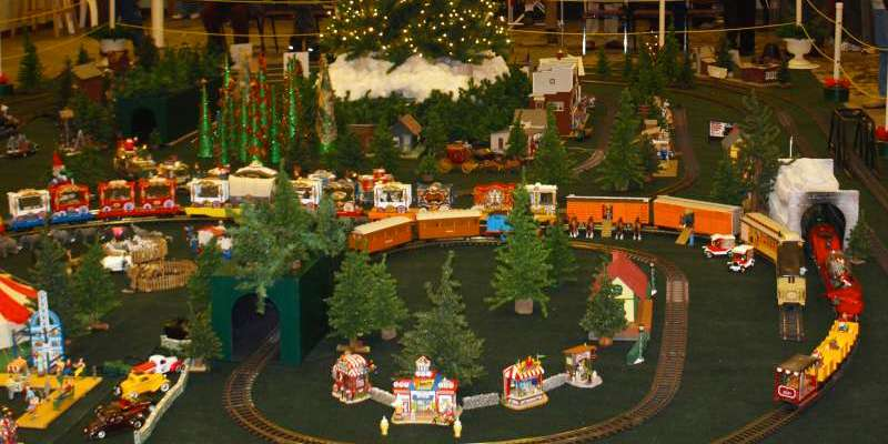 Enjoy fun activities inside including large scale model train and quilt displays, local musicians and Santa.