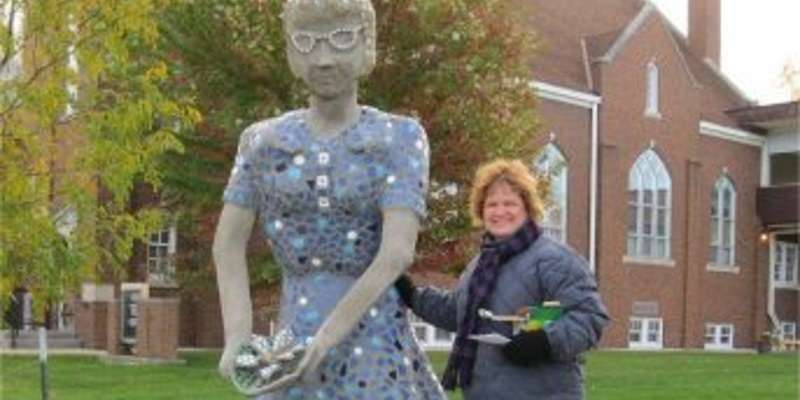 Mosaic sculpture of Lorine Niedecker and artist Sally Koehler
