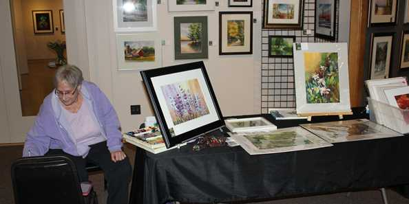 Demo by artist Phyllis Brillowski at the Northern Moraine Spring Art Tour