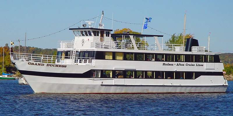 Cruise on the St. Croix in Hudson!