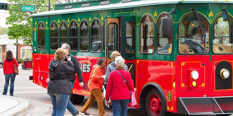 Trolley rides at Artwalk in Beloit!
