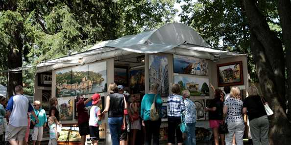 Artists travel from around the country to display their wares at the Festival of the Arts.