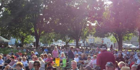 A welcoming crowd enjoying free music at Music in the Park. If the music gets you jiving, there's also room for dancing!