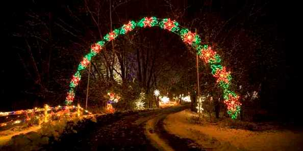 Country Christmas Archway