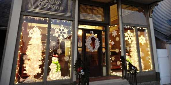 Evansville's annual Olde Fashioned Christmas inspires many downtown businesses in historic buildings to decorate for the holidays.
