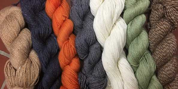High quality and soft alpaca yarn