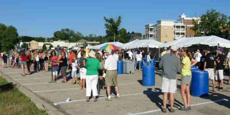 Crowds forming at the Delafield Block Party