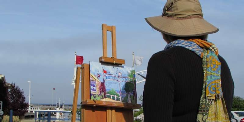 "Inspired Cedarburg artist Susan Hale ""lets the paint talk"" in Port Washington."