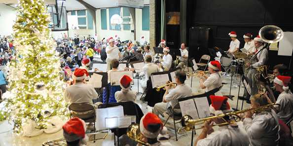 Cedarburg Civic Band entertain the crowds with  holiday music.