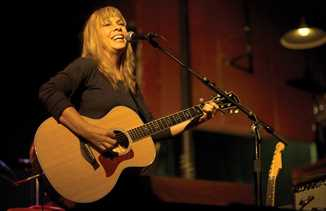 Rickie Lee Jones at Door Community Auditorium