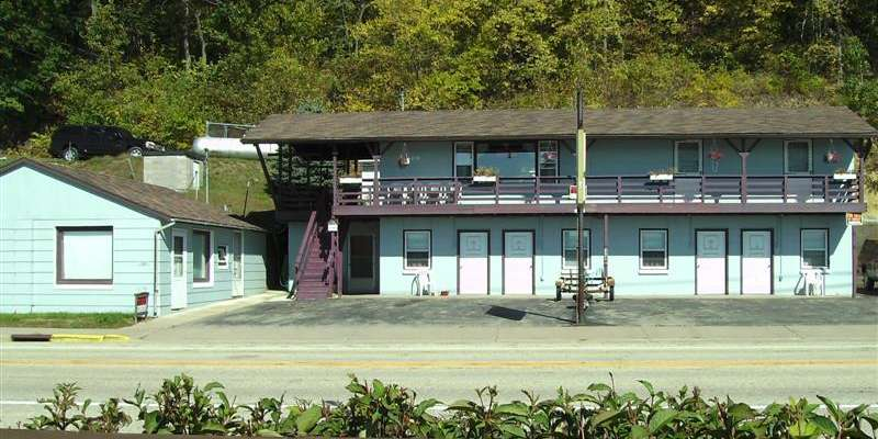 River's Edge Motel