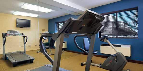 Baymont Inn Fitness Room