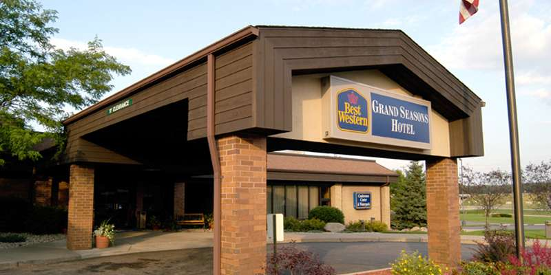 Best Western Plus Grand Seasons Hotel