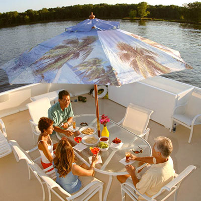 Houseboating on the Mississippi River