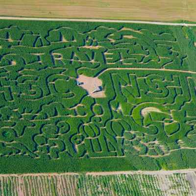 Overview of Polly's Travel Wisconsin themed maze