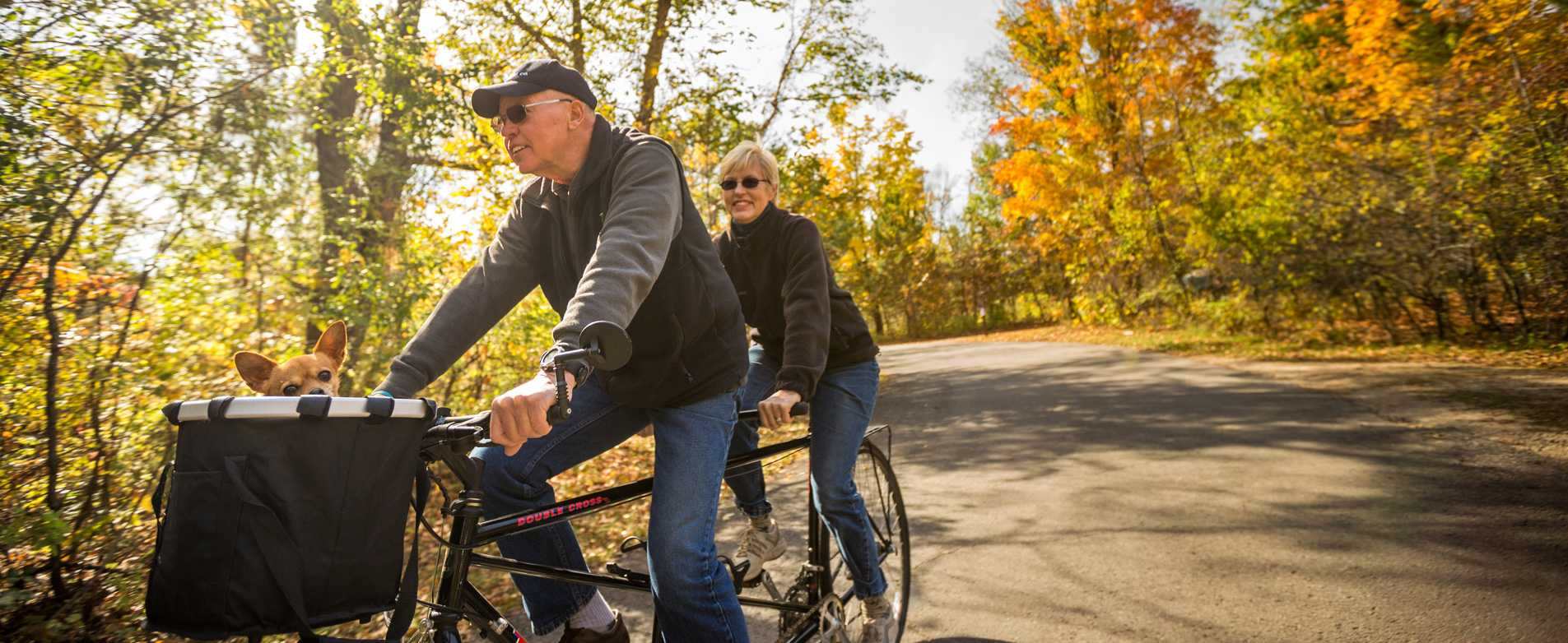 Couple-Riding-Tandem-Bike-on-Fall-Day-Perrot-State-Park-2