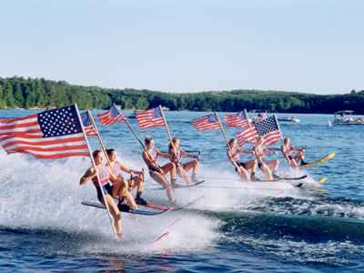 Min-Aqua Bat Water Ski Shows - Minocqua