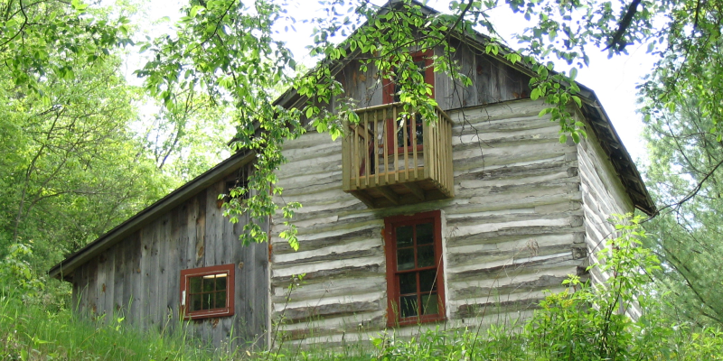 A beautiful authentic log cabin! You will love the quaint cabin.  Hike the trails, take a tour, or attend one of our special events while you stay in the cabin.