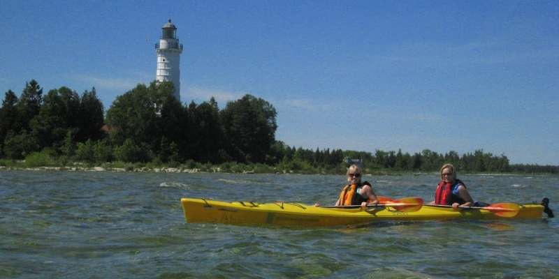 Door county kayak lighthouse tour