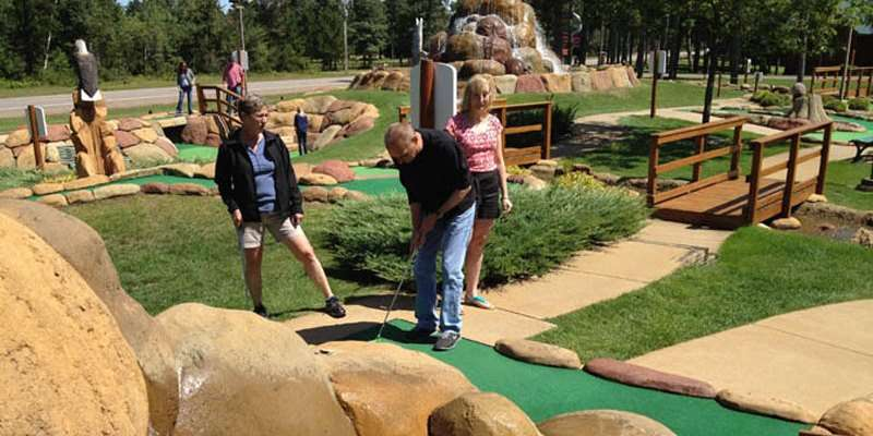 Wilderness Mini Golf & Par 3 Golf